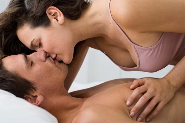 Seja uma Deusa do Sexo na cama para ele e aprenda a satisfazê-lo para que ele não deseje outras mulheres, so você!